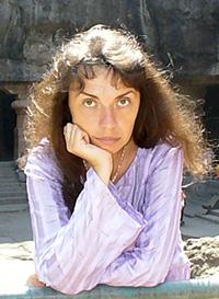 Бондарева Олеся родилась 21 декабря 1971 года. Образование