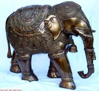 Индия. Сувениры из Индии. Слон бронзовый в попоне с колокольчиком