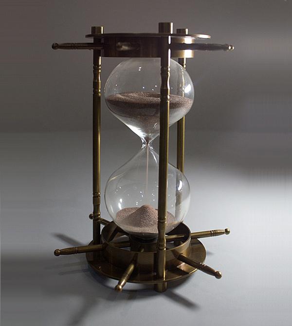 Песочные часы из бронзы. Индия